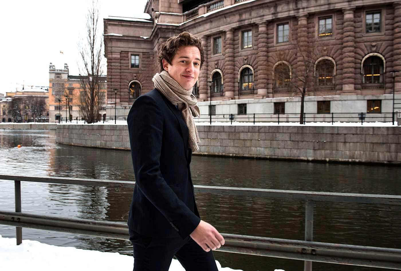 Emil Källström har fått uppdraget att leda utvecklingen av Centerpartiets ekonomiska politik.