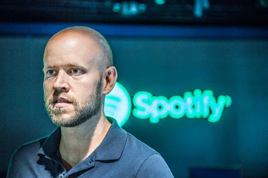 Spotifys medgrundare och vd Daniel Ek antas kräva en stor premie ovanpå börsvärdet på hundratals miljarder för att sälja bolaget han skapade med Martin Lorentzon. Arkivbild