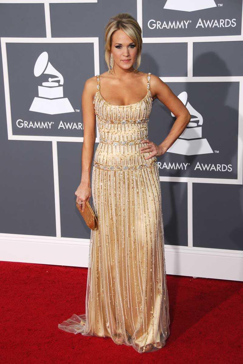 Carrie Underwood glittrade loss i Zuhair Murad.