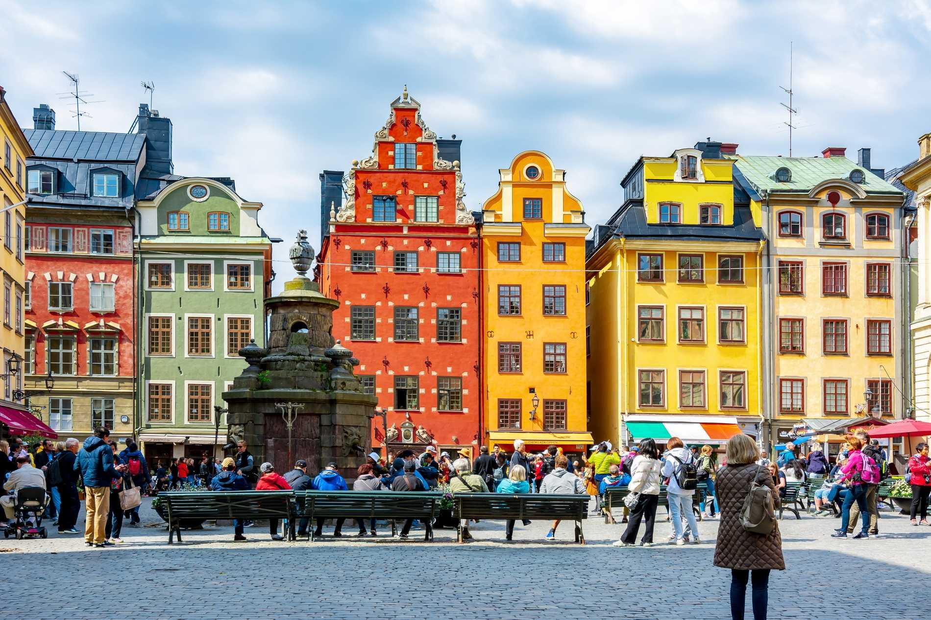 Lottie Knutson ser Gamla stan som en riskzon för överturism.