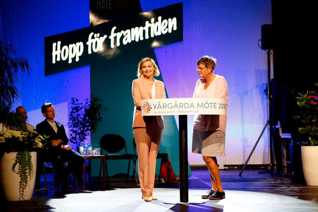 Ebba Busch Thor (KD) frågas ut under den frikyrkliga motsvarigheten till Almedalen, Vårgårda möte.