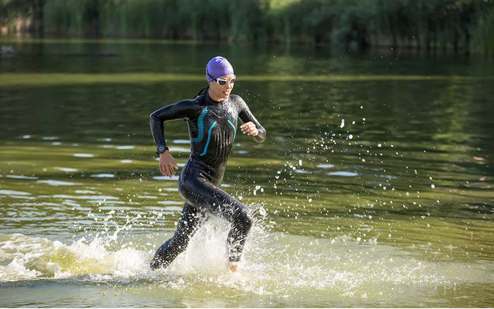 Att tävla i swimrun, där man både springer och simmar,  har blivit populärt de senaste åren.