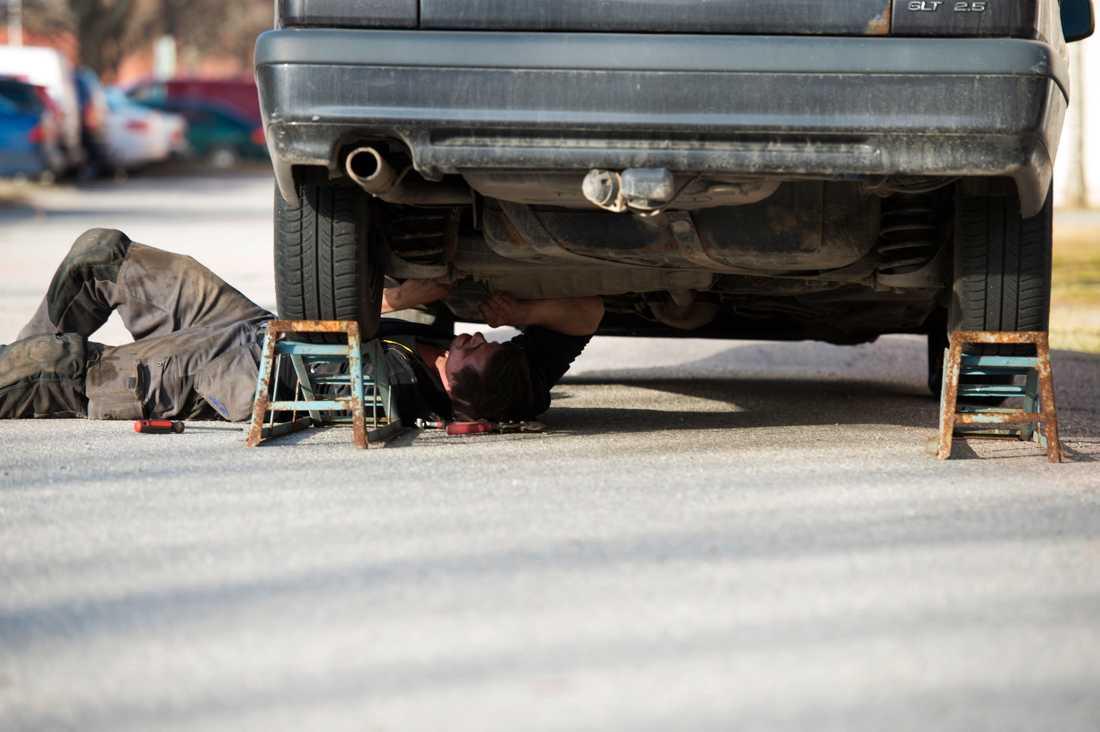 Går bilen, mobilen eller diskmaskinen sönder snabbt? Det behöver inte vara en slump, enligt expertisen. Arkivbild.
