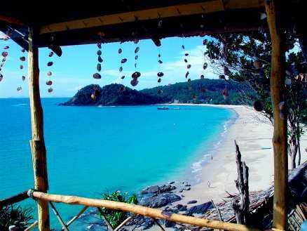 Till Koh Lanta kommer man för att stanna. Så är det åtminstone för många svenskar. Bakan-tiang Beach är en av stränderna som lockar.