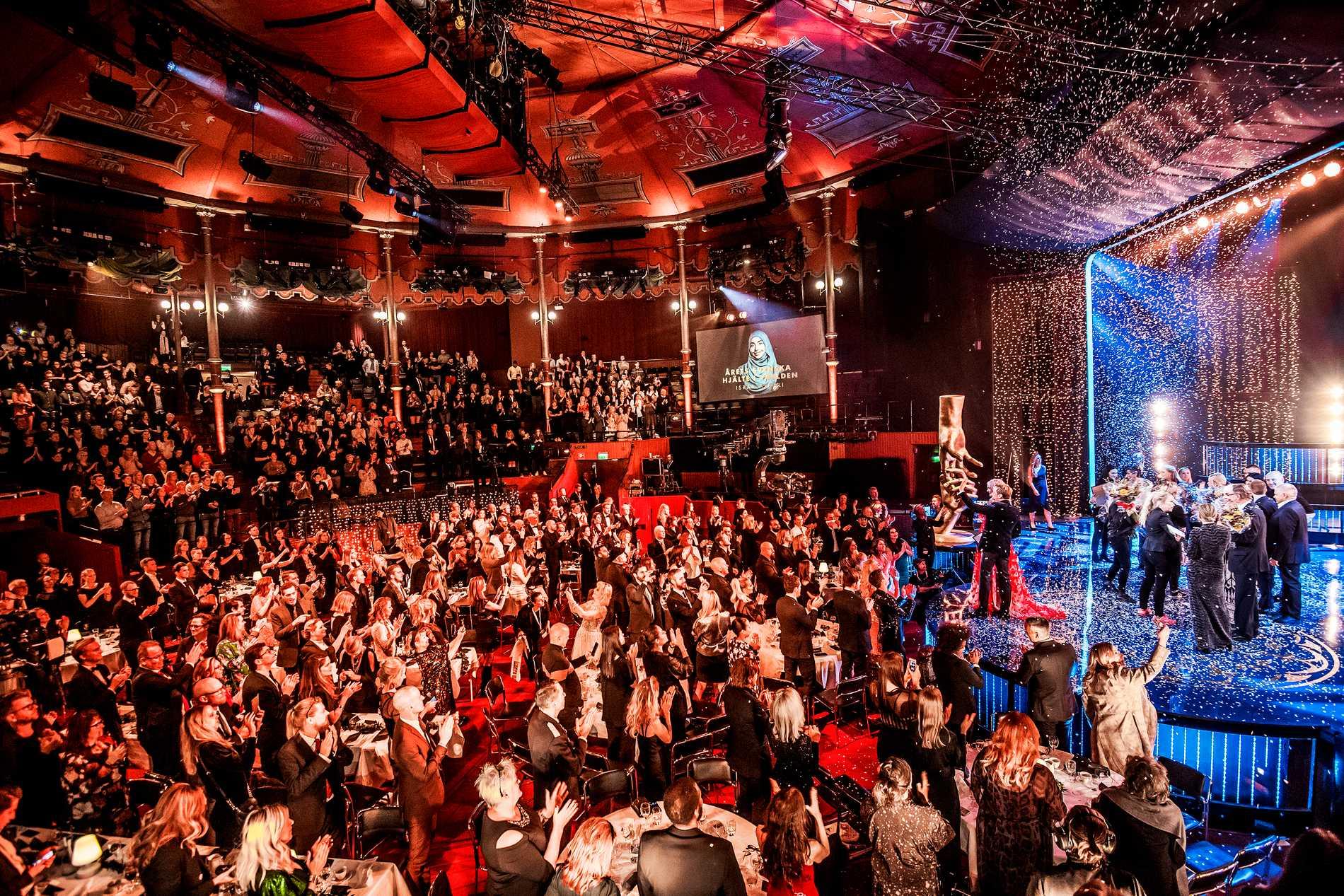 Svenska Hjältar-galan 2019 leds av Peter Settman och Linnéa Claeson.