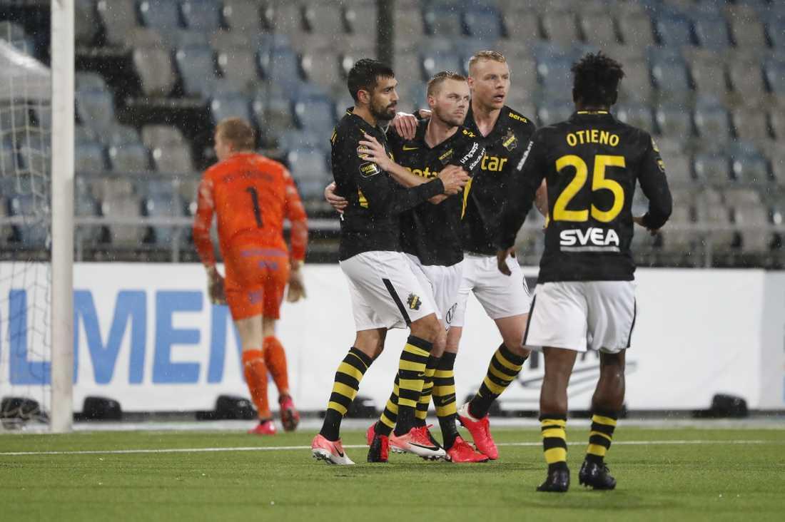 Sebastian Larssons straffkvittering gav 2–2.