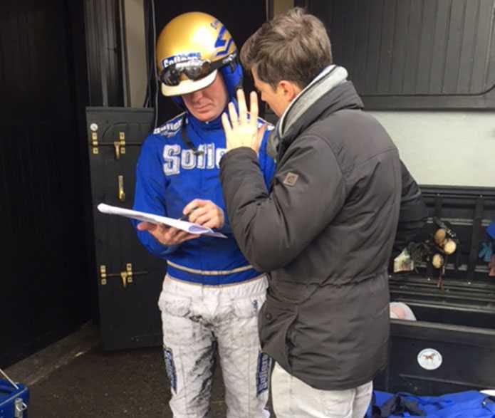 Björn Goop diskuterar hästar med Paris-Turf-experten. Taktiken med Timoko i Prix d'Amérique: Köra i spets