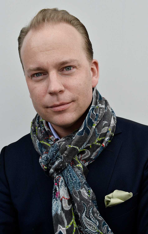 """Olof Lavesson, gick med i Moderaterna 1991, mitt i sin egen """"komma ut""""-period, som han själv beskriver det."""