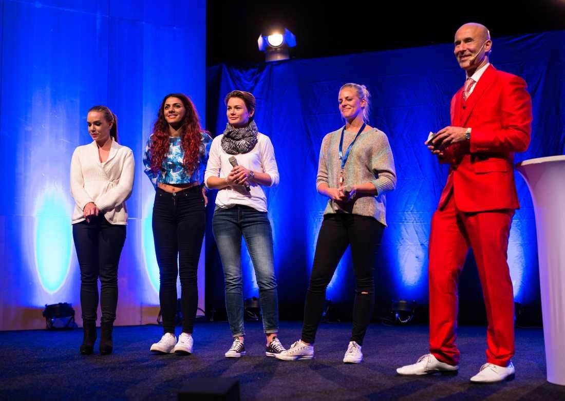 På turnépremiären i Göteborg stod Mathilda Strömberg, Marwa Karim och Tilia på scen tillsammans med Mark Levengood.