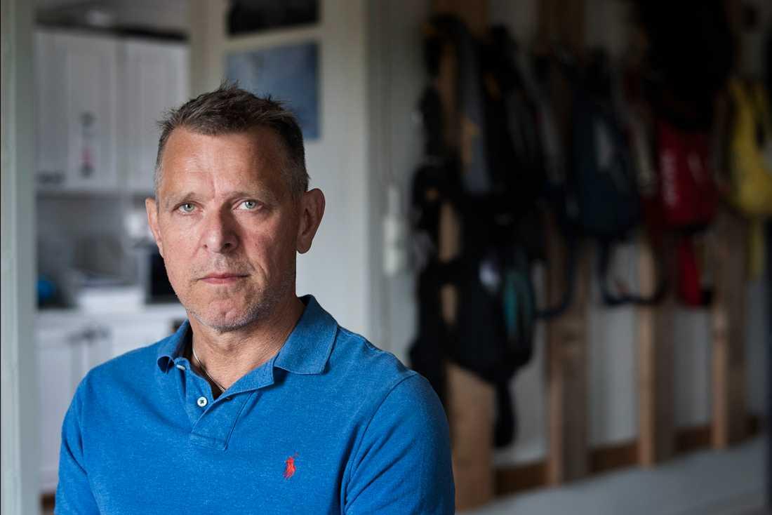"""""""Det är naturligtvis jobbigt. Man förflyttas tillbaka ett år i tanken"""", säger Johan Hellström, chefsinstruktör på Umeå fallskärmsklubb, om årsdagen för flygolyckan i Umeå där nio av hans vänner omkom. Arkivbild."""