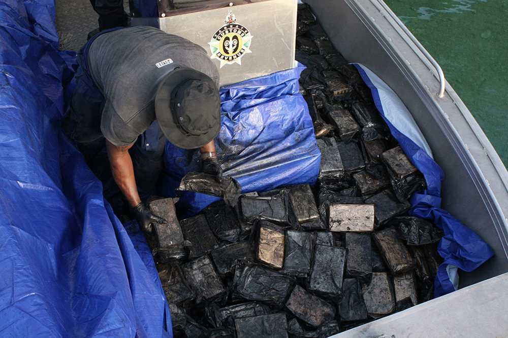 De hittade 750 kilo kokain på yachten – som enligt polisen är värt omkring 2,3 miljarder kronor.