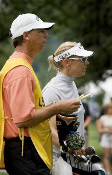 Ett mirakel krävs, tycker vissa. Men Terry McNamara och Annika Sörenstam är överens: en bra runda räcker.