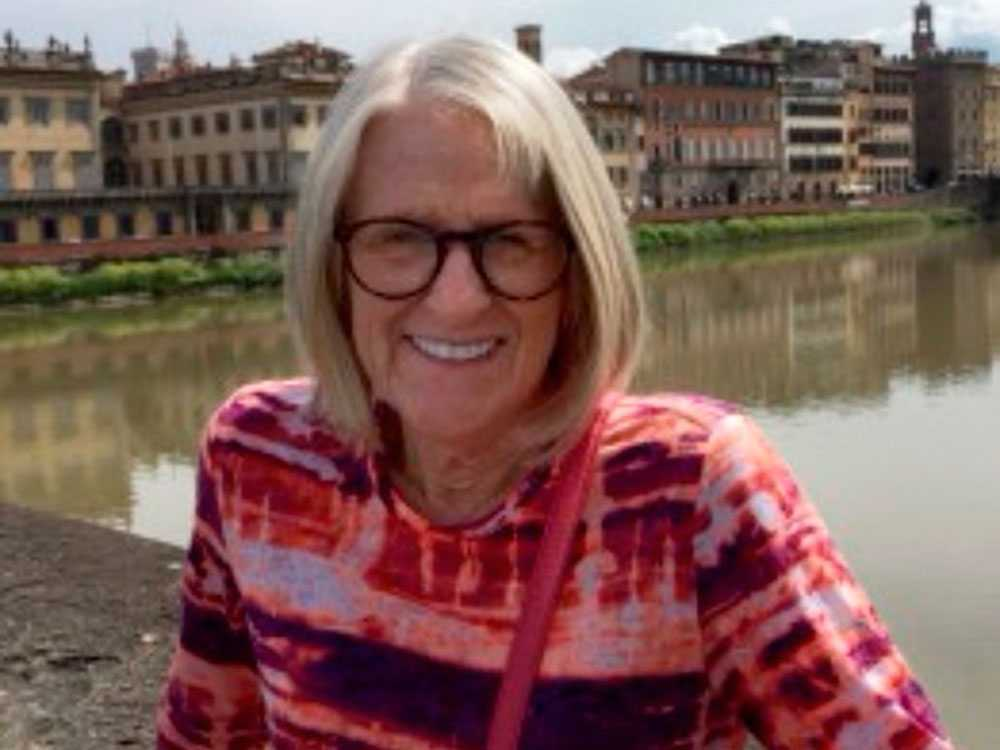 Darlene Horton, 64, dog i attacken.