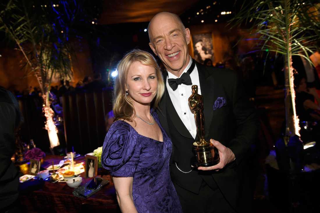 J.K. Simmons med frun Michelle Schumacher på balen efter Oscarsgalan 2015.