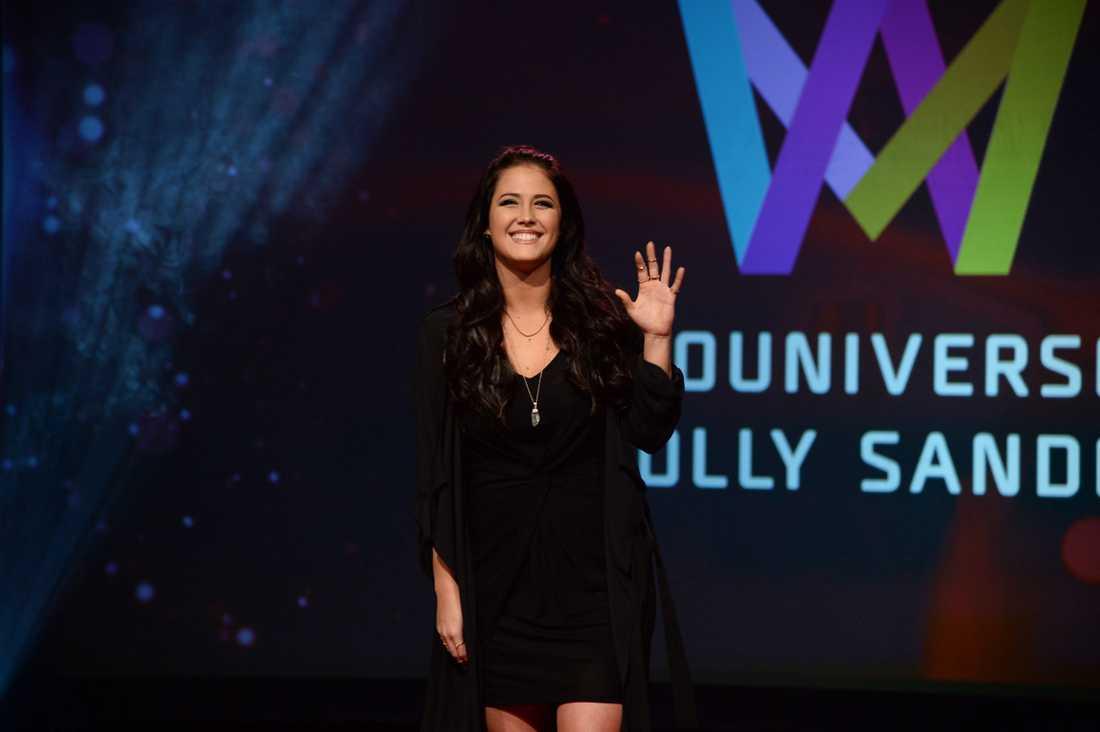 """Molly Sandéns har skrivit """"Youniverse"""" tillsammans med pojkvännen Danny Saucedo."""