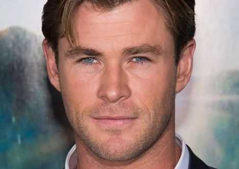 """Chris Hemsworth är känd som """"Thor"""". Men för nästkommande projekt räcker inte musklerna. Han uppger att han måste bygga upp sig ännu mer."""