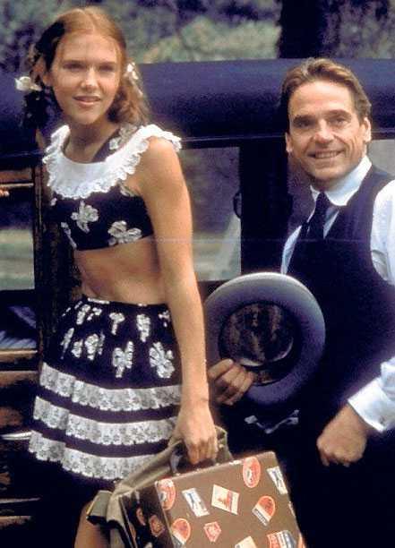 """Dominique Swain och Jeremy Irons i filmatiseringen av """"Lolita"""" 1997."""