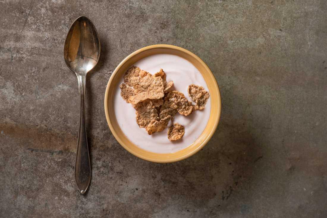Valio återkallar produkten Valio laktosfri naturell yoghurt 2,5 %. Arkivbild.