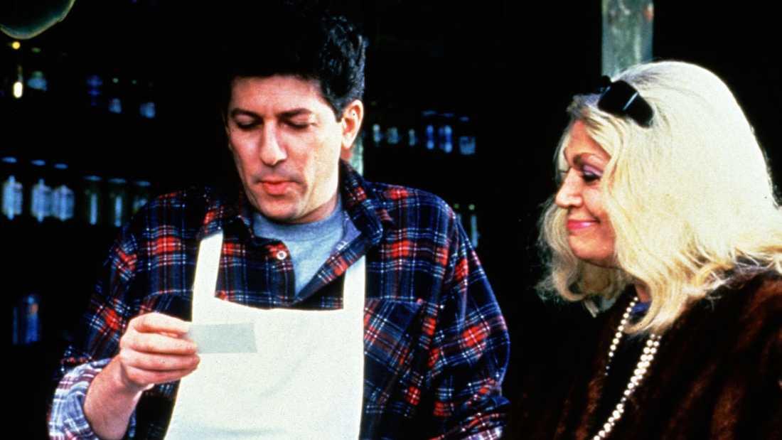 """Peter Riegert och Sylvia Miles i """"Kärlek på Manhattan"""" (originaltitel """"Crossing Delancey""""."""
