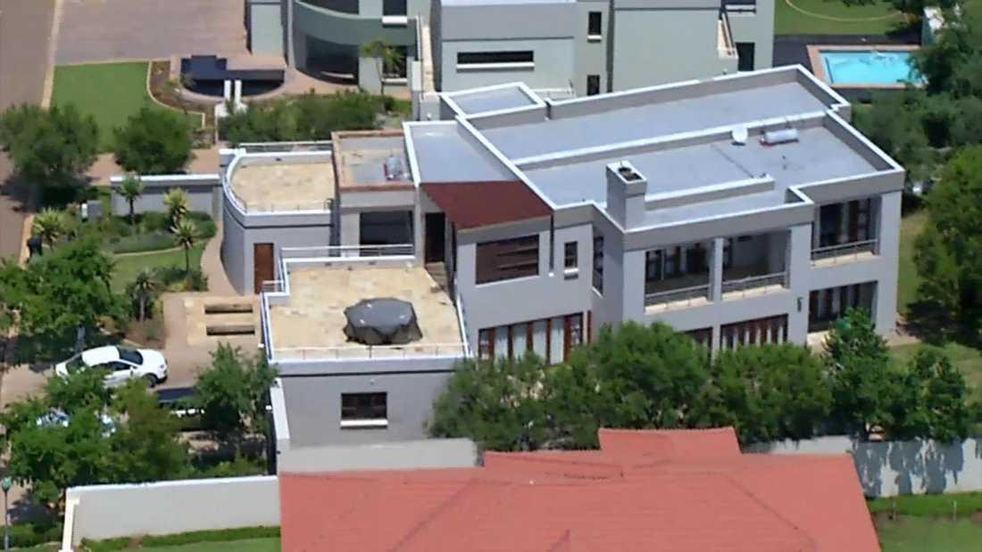 En flygbild på Pistorius hem i det instängda bostadsområdet. Foto: AP