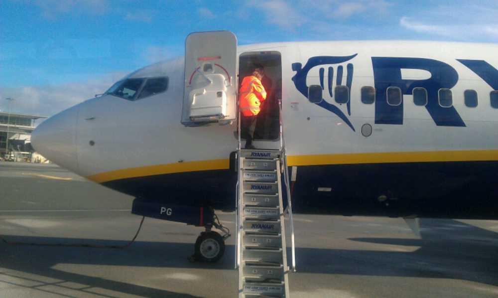 Tvingades nödlanda. På grund av tekniska problem tvingades Ryanairs flight FR9086 landa i danska Billund.