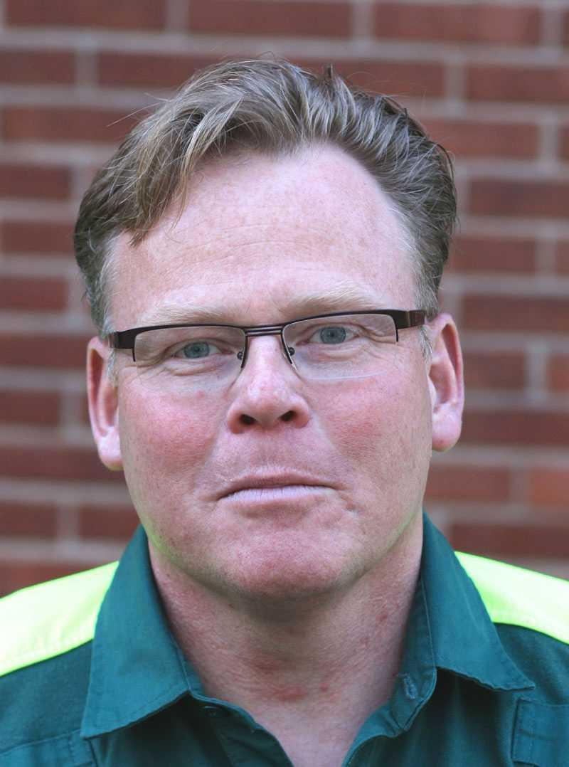 """AMBULANSCHEF Peter Gustafsson har skrivit ett intyg åt Jonny Forsberg att använda i sin överklagan. """"Personen i ambulansen överlevde. Det är det viktigaste av allt"""", säger han."""
