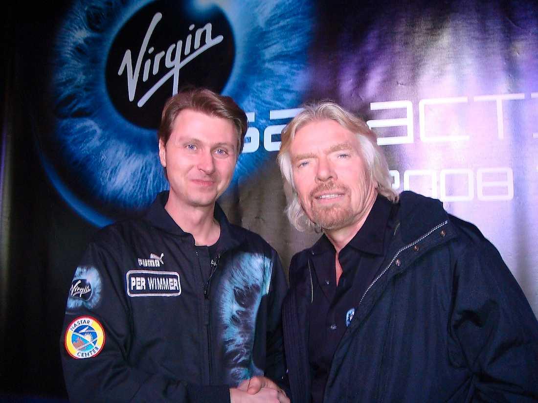 Per Wimmer med Sir Richard Branson, som är eldsjälen bakom Virgin Galactic.