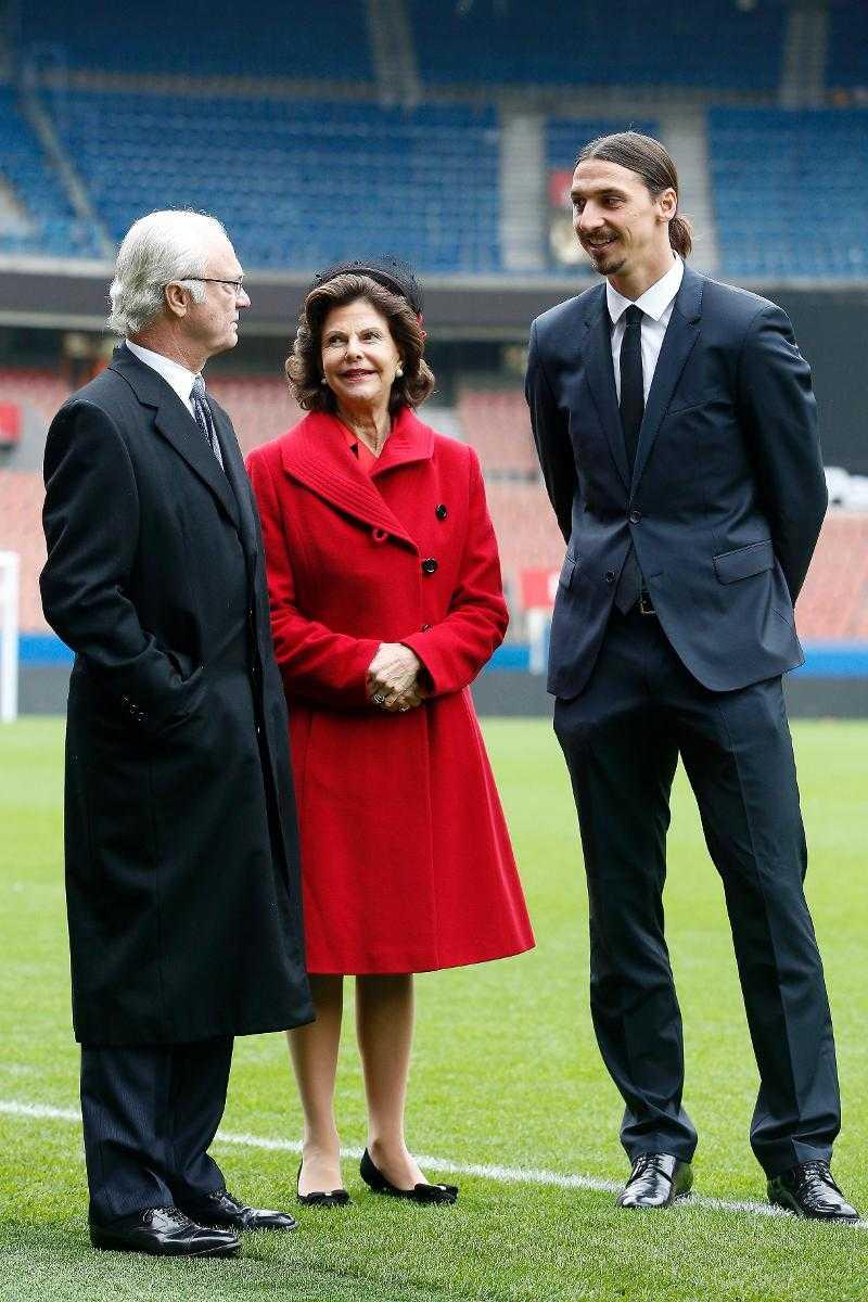 Kungligt möte I december 2014 åkte kung Carl XVI Gustaf och drottning Silvia till Paris och träffade Zlatan Ibrahimovic på Parc des Princes.