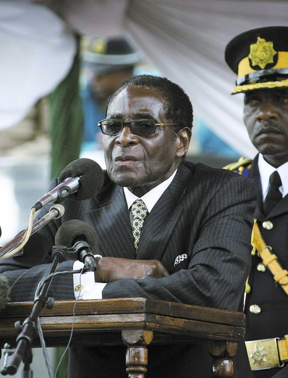 Ökände presidenten Mugabe.