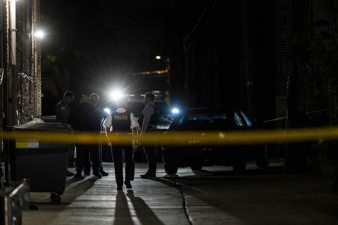 Polis i Chicago har spärrat av en plats där flera människor blivit skjutna. Arkivbild från juni 2019.