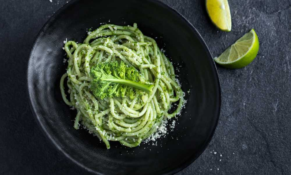 Grönkålspesto – fräscht och smakrikt.