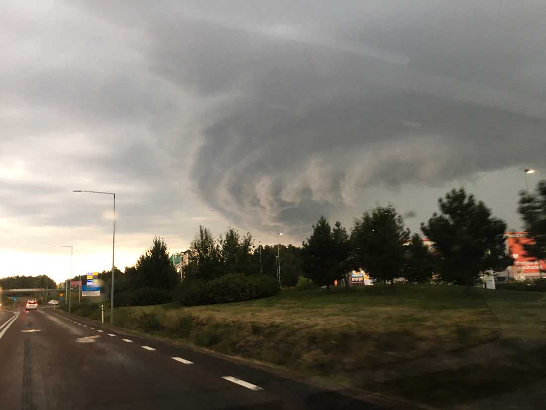 Moln över Falun – innan ovädret bröt ut.