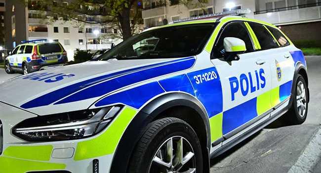 Polisen jagar misstänkta gärningsmän efter skottlossningen.