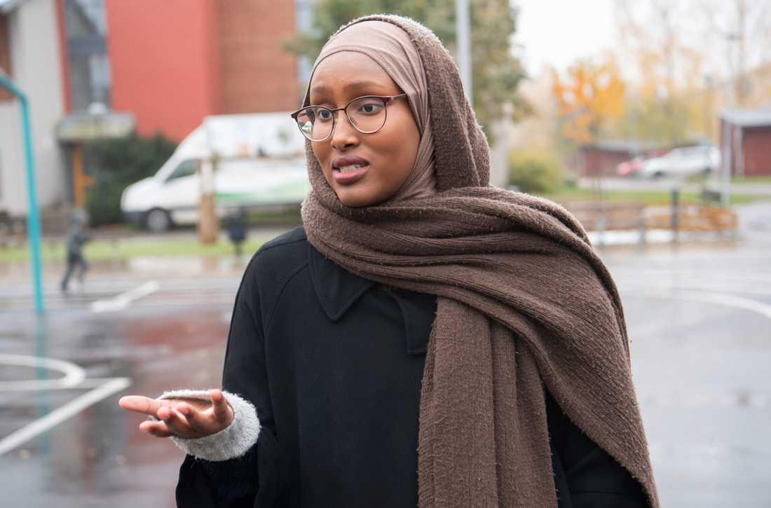 Khadra Osman bor i bostadsområdet Tjärna ängar i Borlänge.