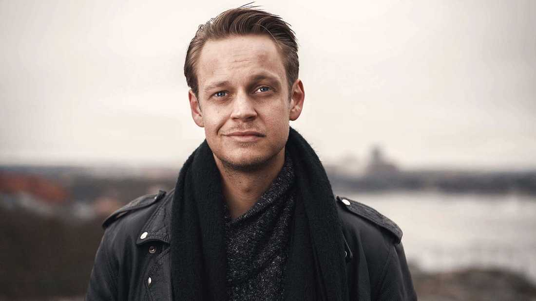 "Nemo Hedén riktar skarp kritik mot Kanal 5:s ""Kungarna av Tylösand."