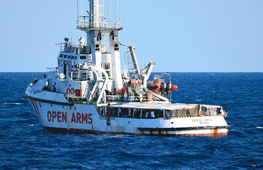 Fartyget Open Arms nekades lägga till i Italien i augusti förra året. Även där pågår en utredning mot Salvini.