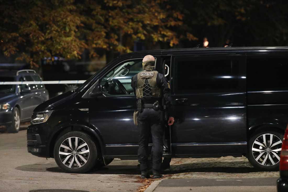 Piketen deltog i insatsen efter måndagskvällens skottlossning på Eriksfält då en tonåring skadades.
