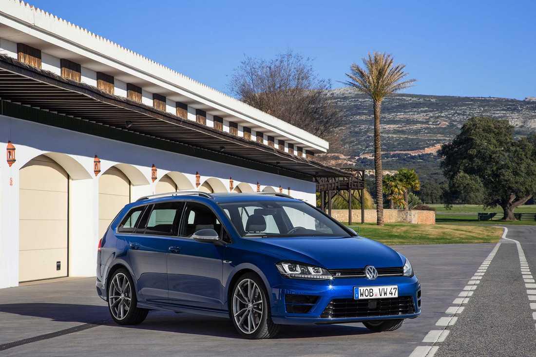 Volkswagen Golf R Sportscombi.