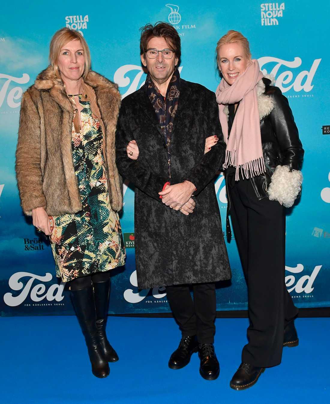 Niklas Strömsted och fru Jenny Strömstedt med sällskap.