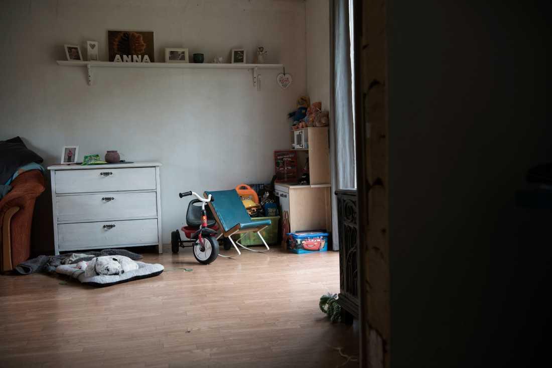 Efter 4-åriga Annas död - Polina Allemann har sparat alla hennes leksaker.
