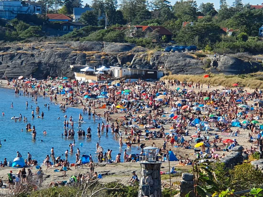Det var fullsmockat på Åsa havsbad under lördagseftermiddagen.