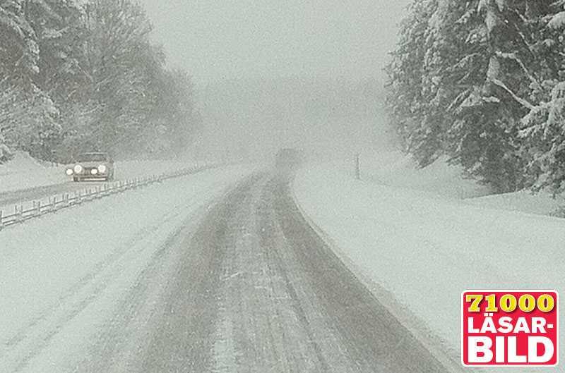 E22 norrut från Hässleholm vid Tyringe strax före klockan 13 i dag.