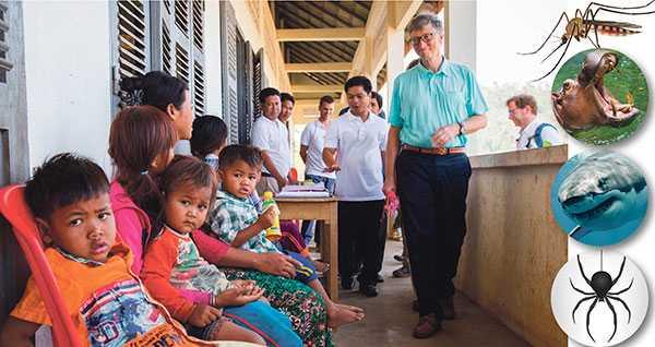 Bill Gates besöker byskolan i Pailin, Kambodja där familjer väntar på undersökta i programmet Targeted Malaria Elimination (TME) Screening Program.