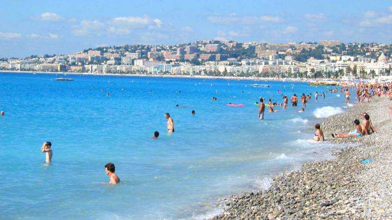 Det är alltid nåt visst med städer som har stranden mitt i stan.