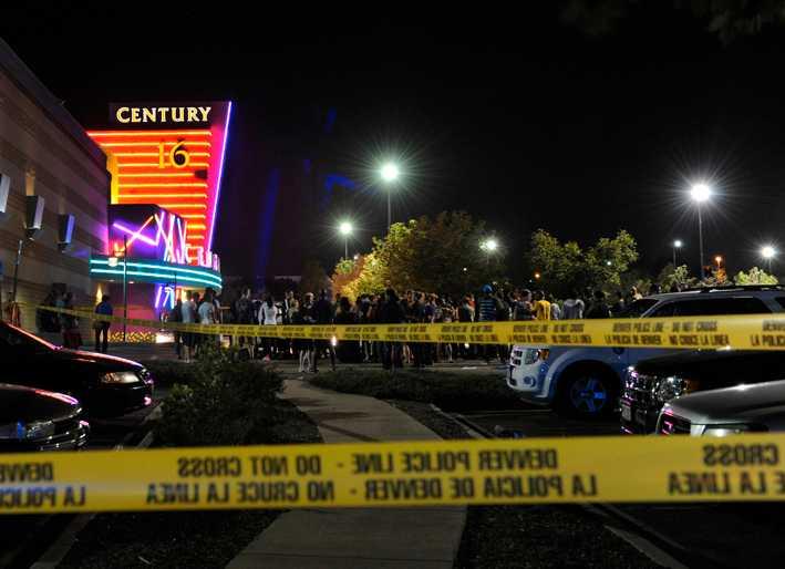 """Det är vid premiärvisningen av """"The dark knight rises"""" i Aurora i Denver som massakern inträffar 2012. 12 personer dör och 59 skadas i skjutningarna."""