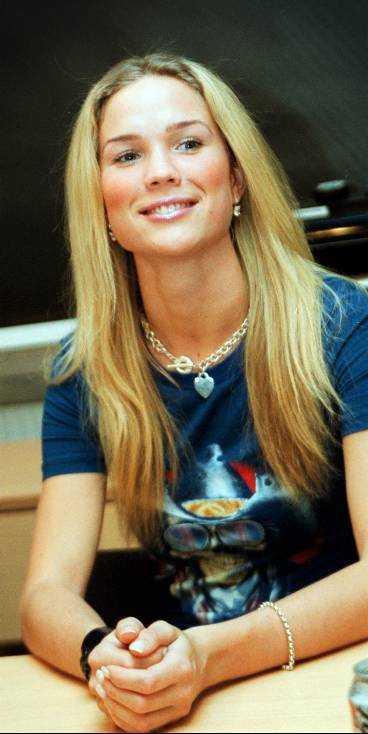 Marie Serneholt 2002.