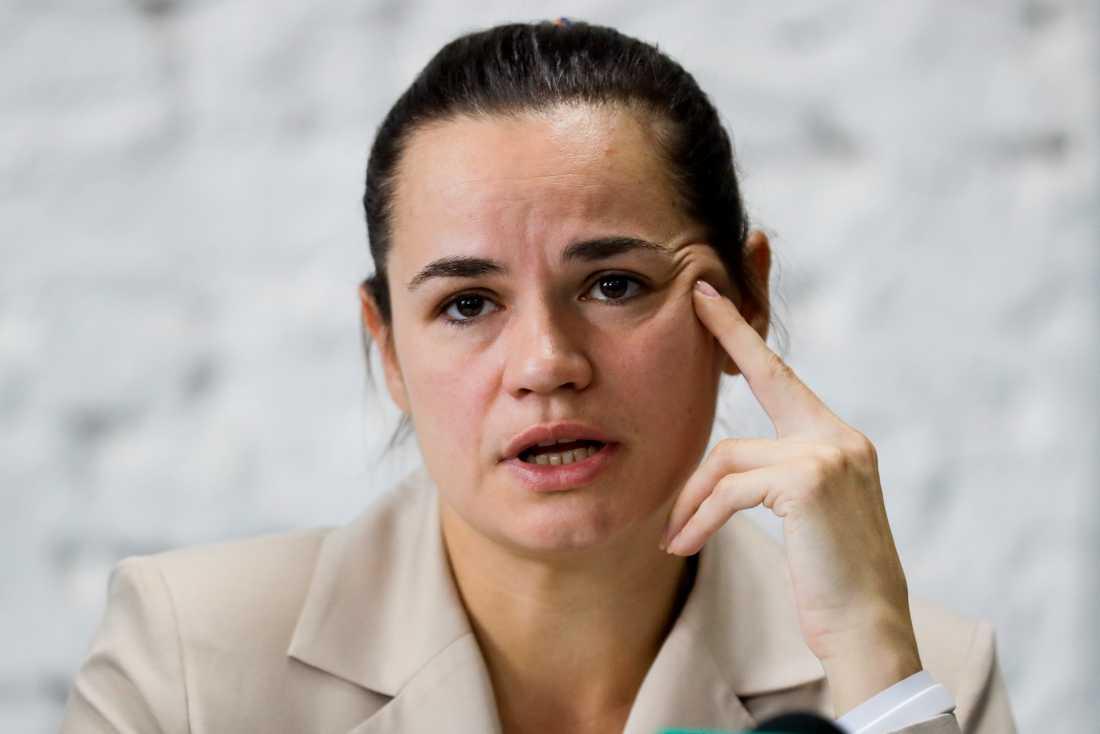 Belarus oppositionsledare, Svetlana Tichanovskaja, har flytt landet.
