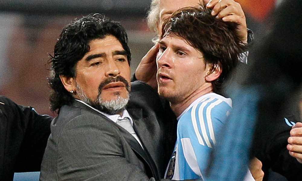 Maradona och Messi under VM 2010.
