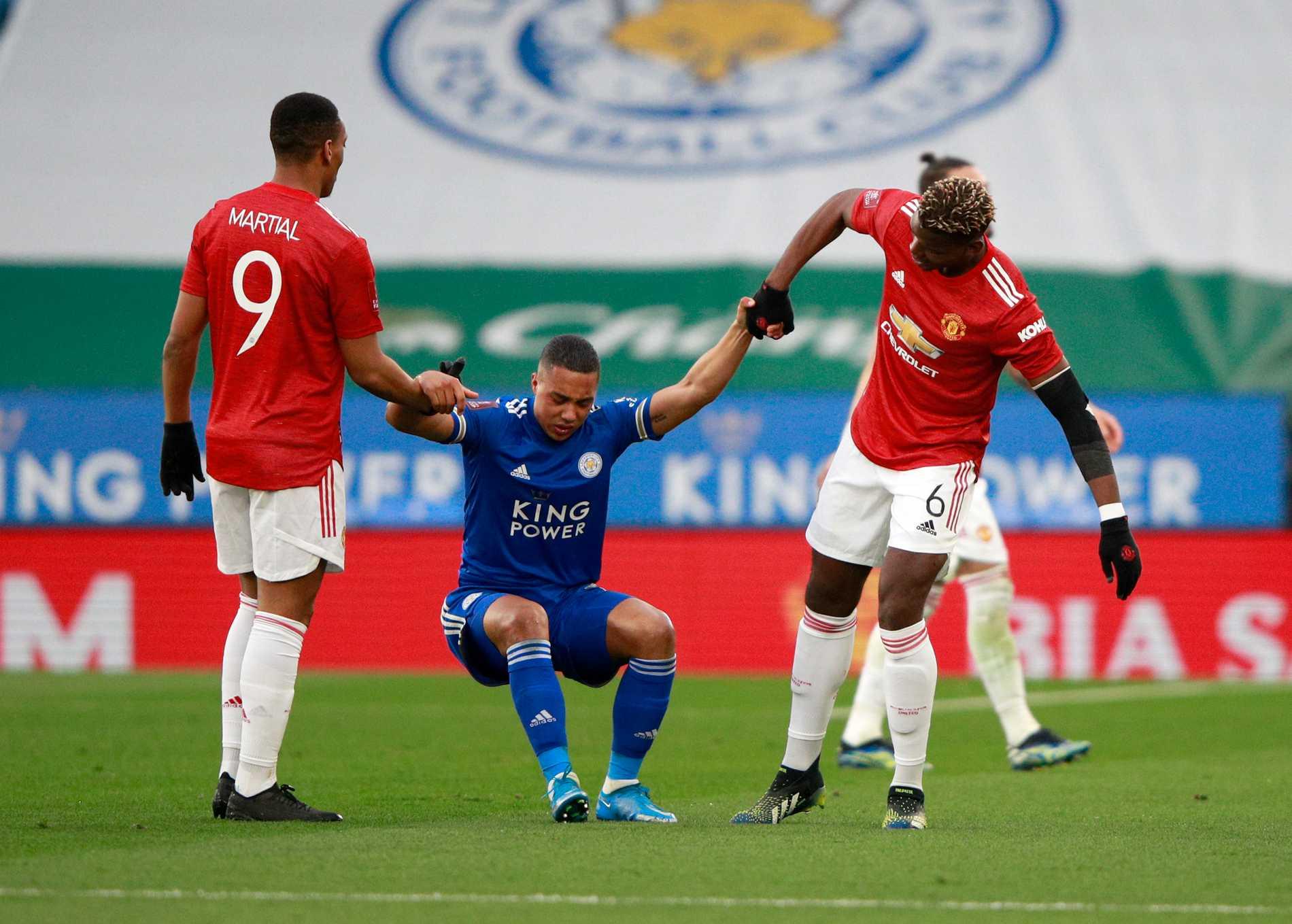Manchester United-spelarna Anthony Martial (vänster) och Paul Pogba (höger) i en match mot Leicester. Arkivbild.