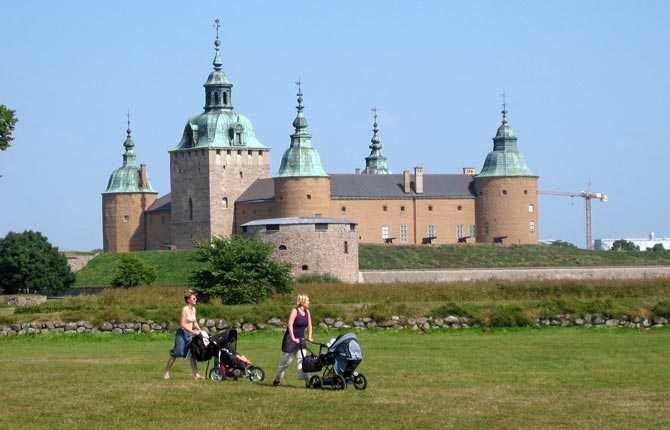 Drabbas om havsnivån stiger med två meter Kalmar slott.